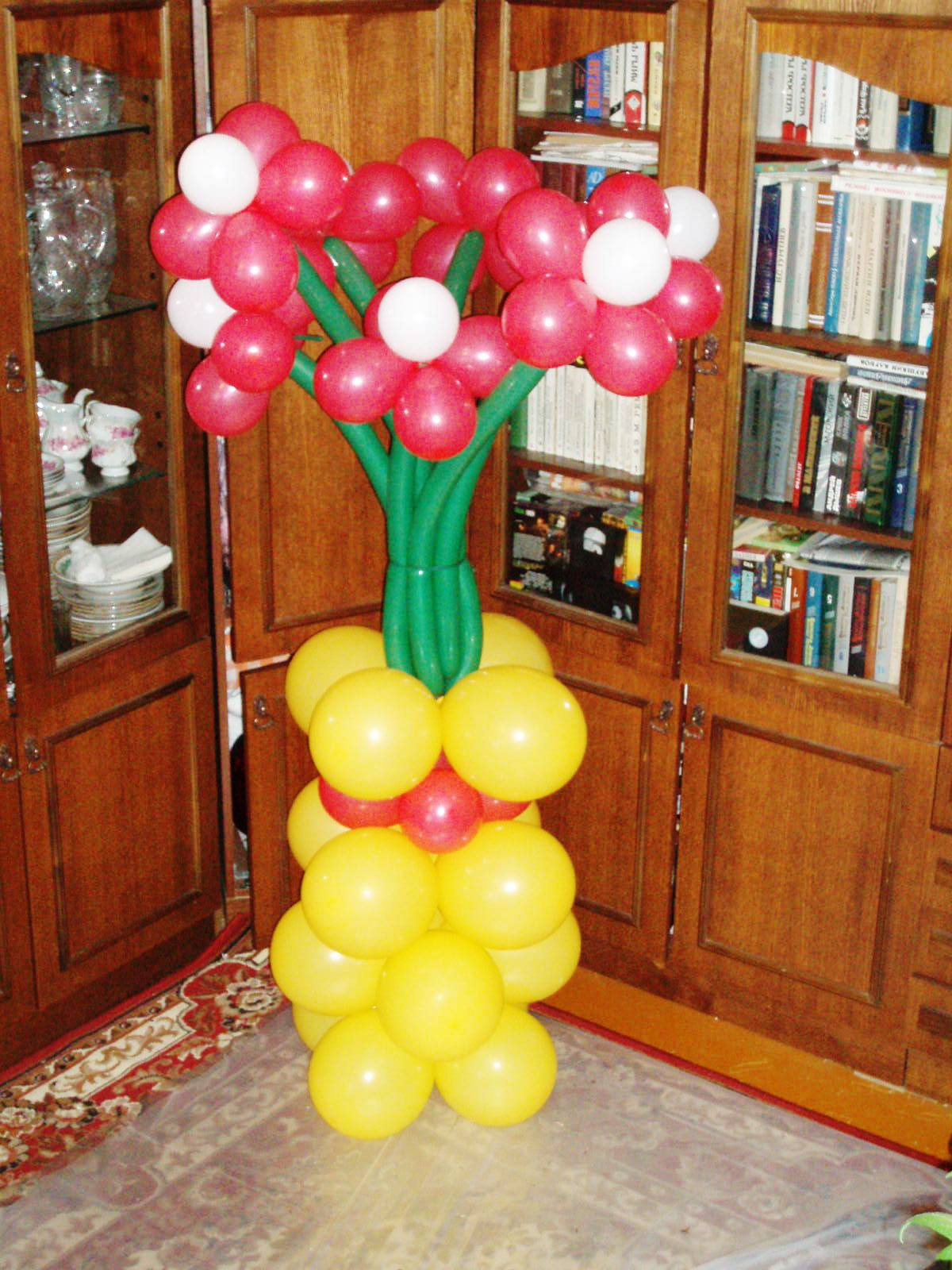 Как сделать колонны из шаров фото